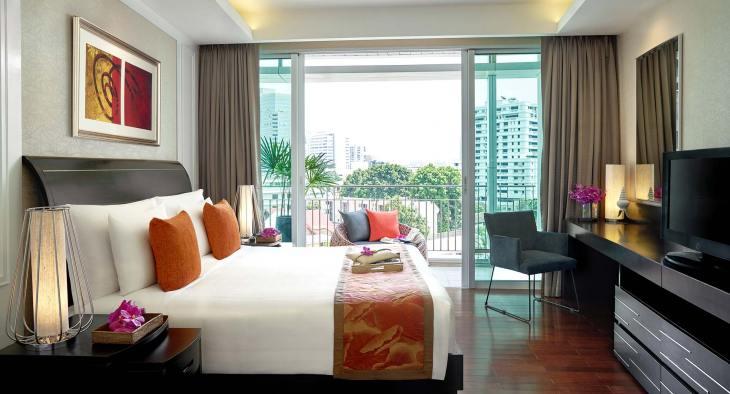 anantara_baan_rajprasong_one_bedroom_deluxe_suite_bedroom_king_01_1920x1037