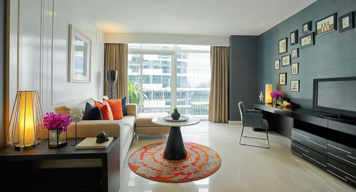 anantara_baan_rajprasong_two_bedroom_superior_suite_livingroom_1920x1037