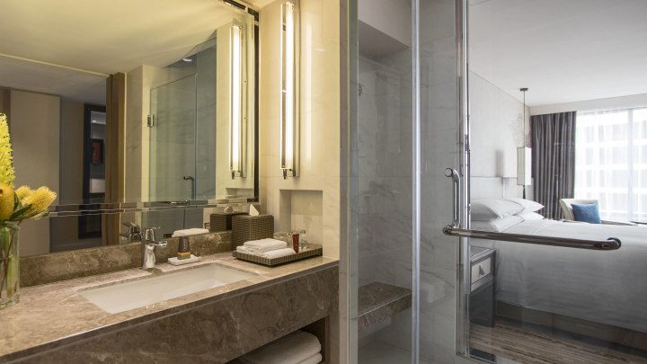 bkkqp-bathroom-0022-hor-wide