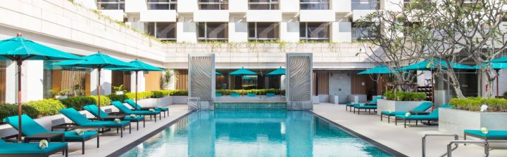 holiday-inn-bangkok-5396575725-16x5