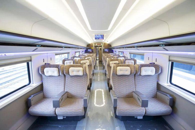 first-class-seats-820