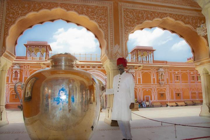 Gangajalis-silver-jars-at-The-City-Palace-Jaipur